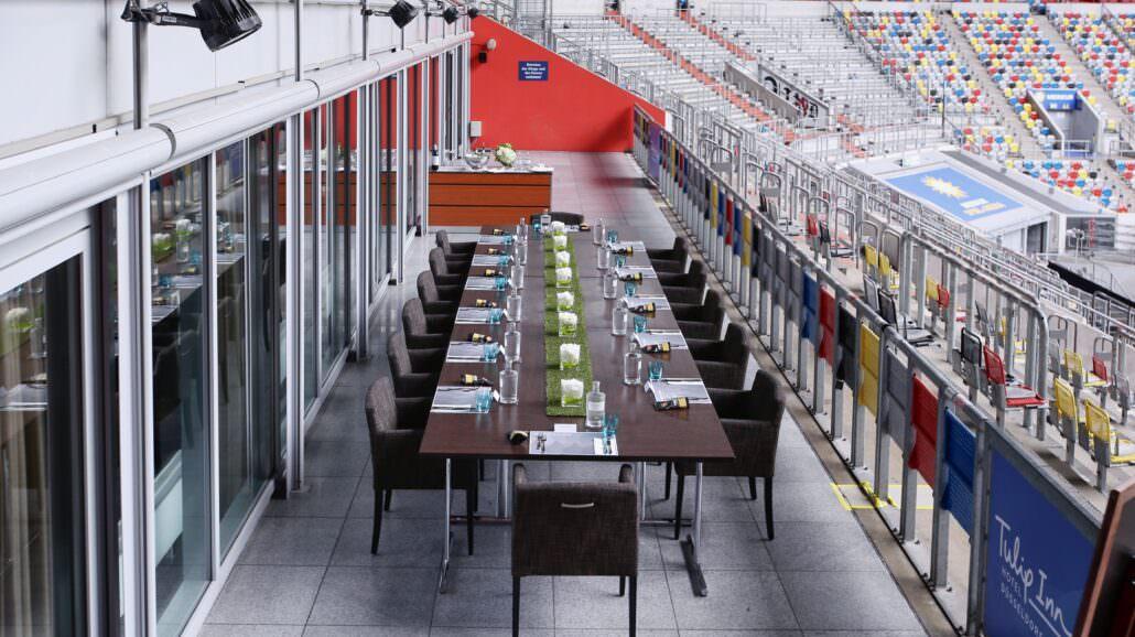 Tafel Stadionterrasse zum TULIPS Lunch